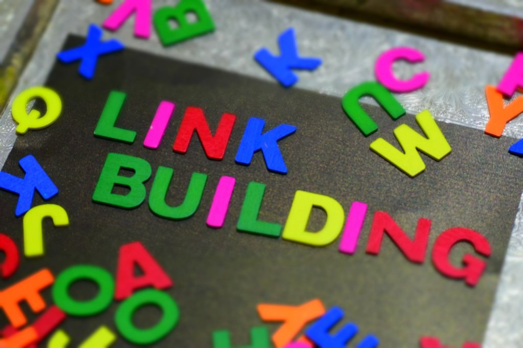 Ensure that your website has a developed link strategy by understanding backlink building for movers.
