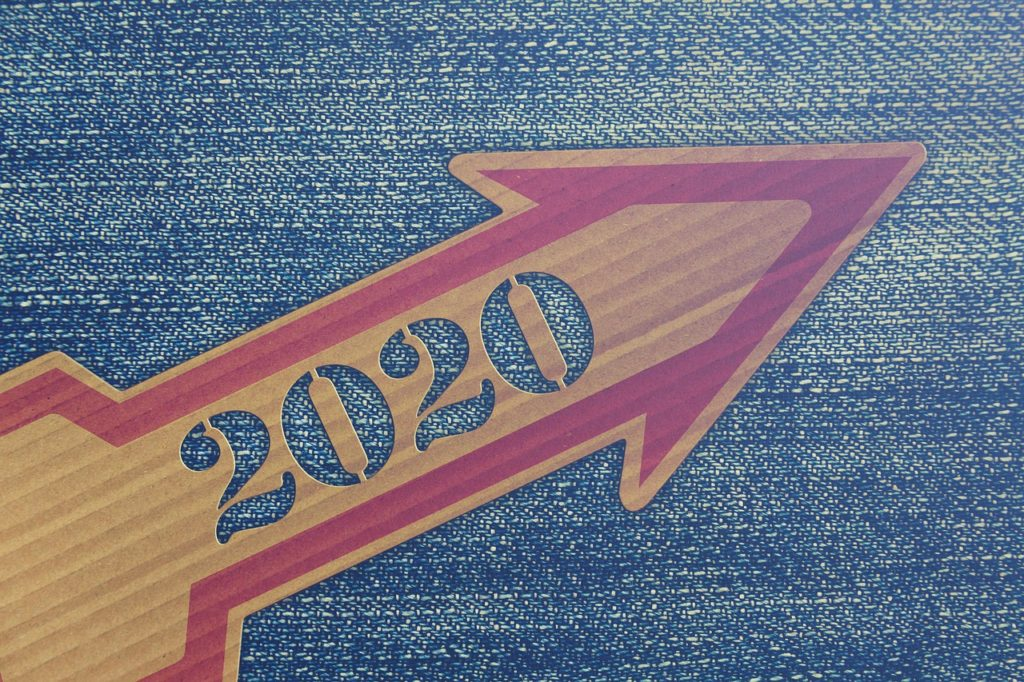 Arrow with 2020 on it.