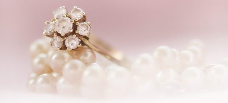 Ring and pearl necklase